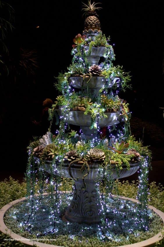 christmas-fountain-decoration