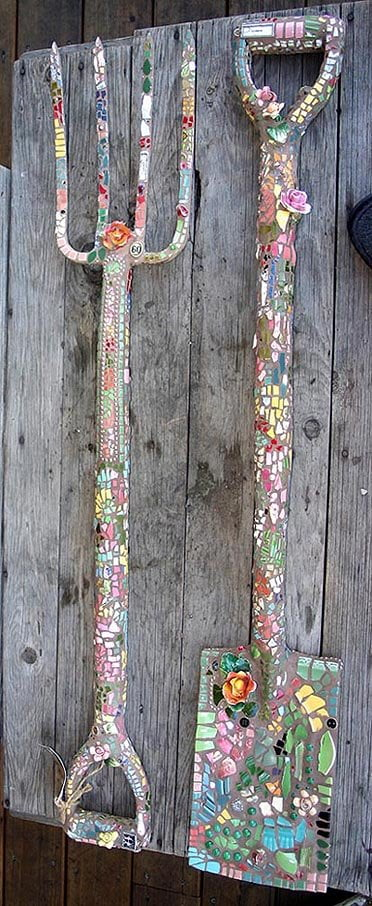 mosaic-garden-tools