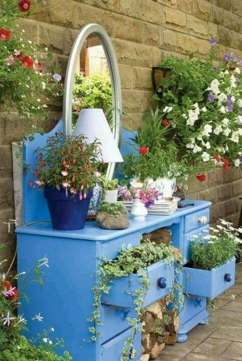 upcycled-sideboard-planter