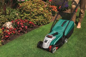 Bosch Rotak 32 LI High Power Cordless Lawn Mower on lawn