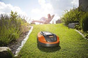 Flymo Lithium-ion Robotic Lawn Mower 1200 R in garden