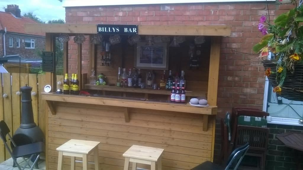 garden bars shed pubs how to bring your local home. Black Bedroom Furniture Sets. Home Design Ideas