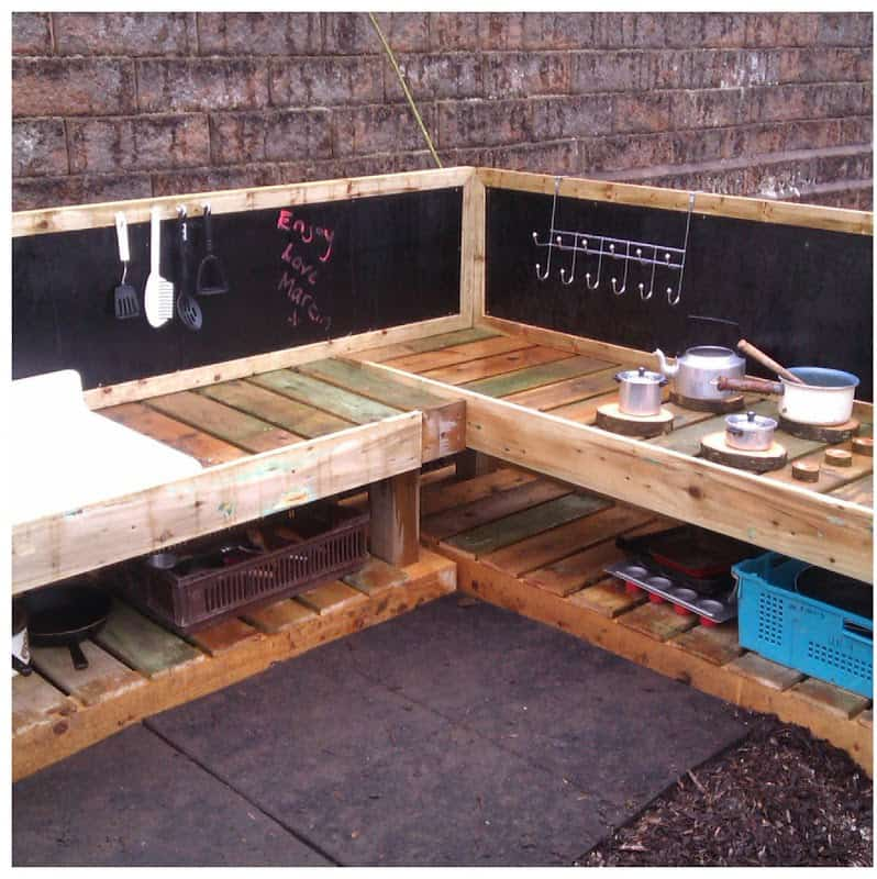 l-shaped-mud-kitchen