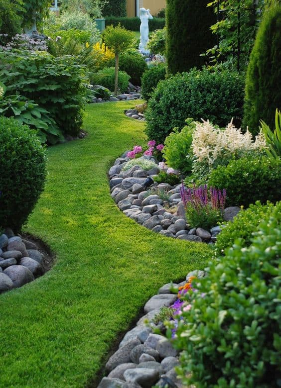66 Creative Garden Edging Ideas to Set Your Garden Apart on Backyard Border Ideas id=33476