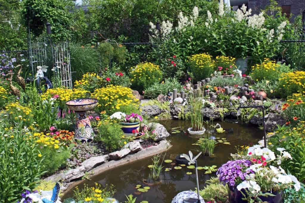 eclectic garden ideas