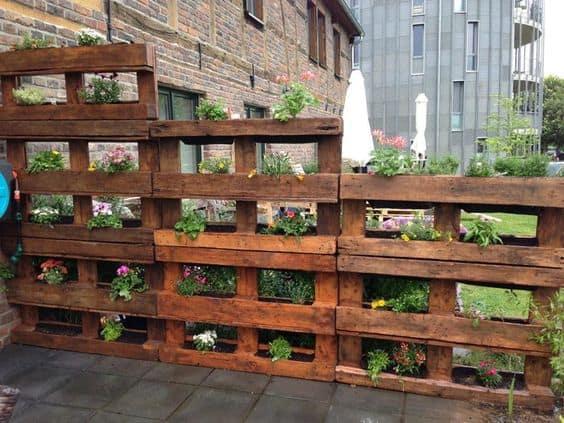 pallet garden screen
