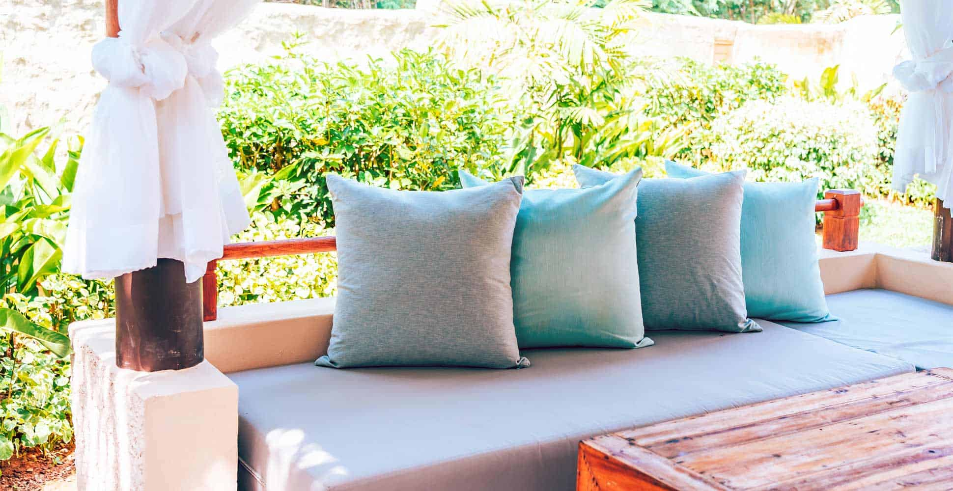 best-waterproof-outdoor-scatter-cushions
