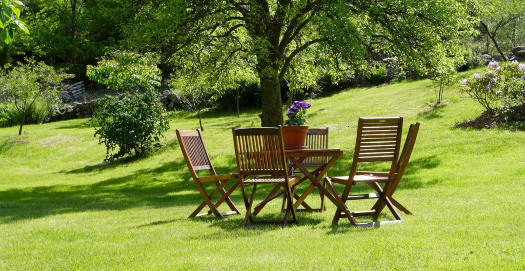 best-wooden-garden-furniture-sets