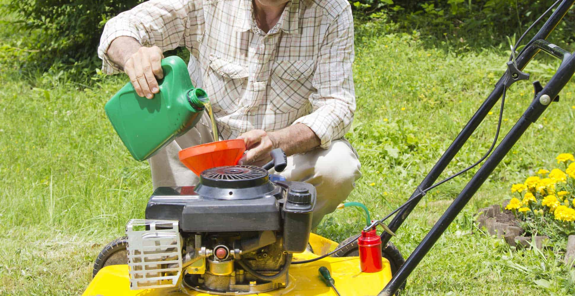 what-is-the-best-lawn-mower-oil