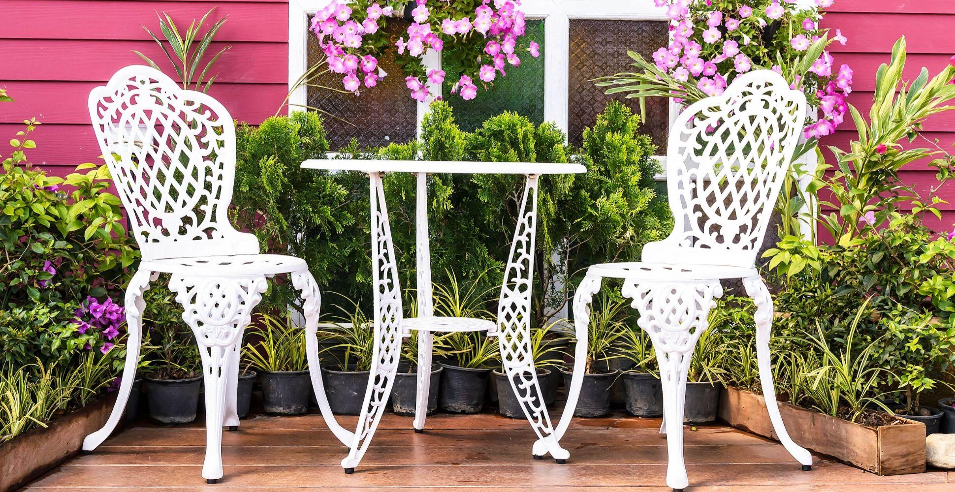 9 Best Paints For Metal Garden Furniture (Oct 9 Review)