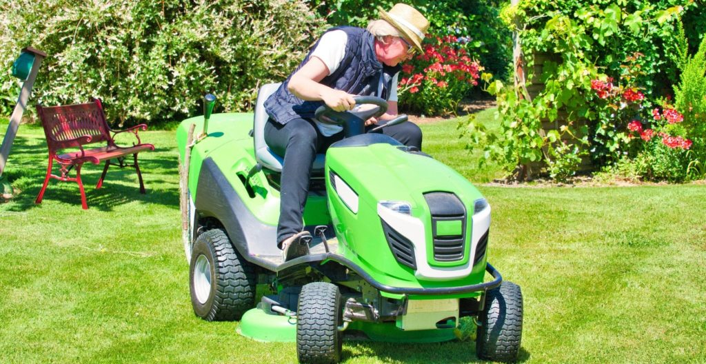 best-ride-on-lawn-mower-lifter