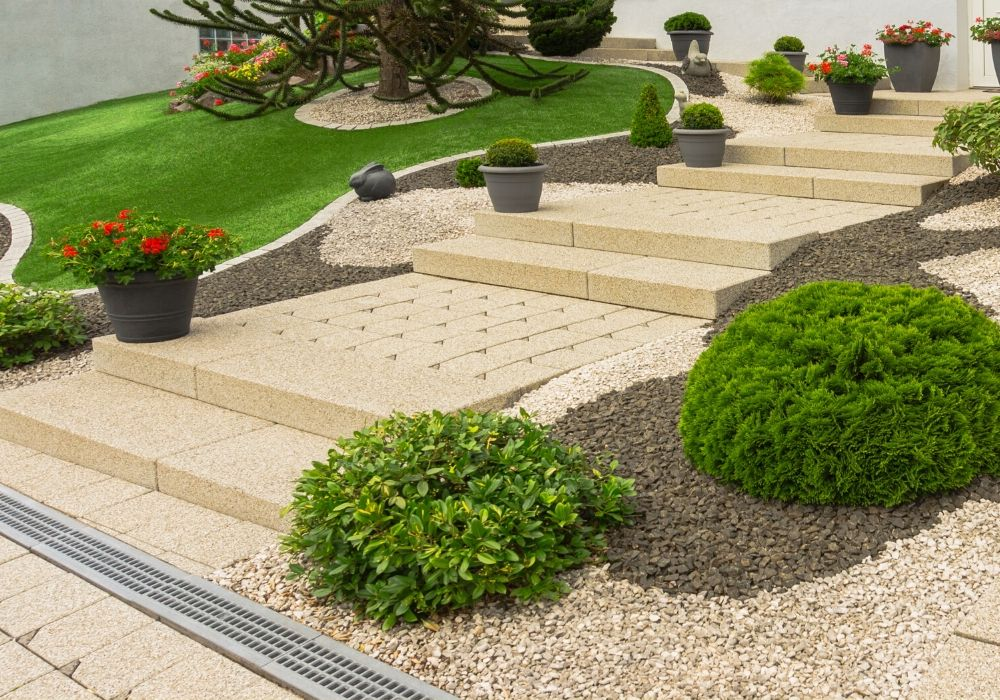 artificial-grass-benefit-for-tricky-front-garden
