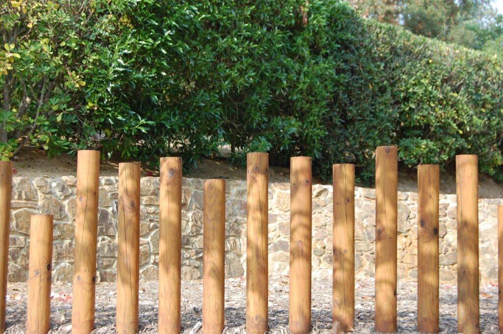 16. Contemporary Garden Fence