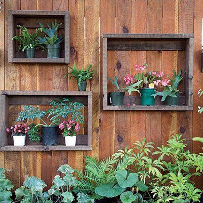 31. DIY simple garden fence