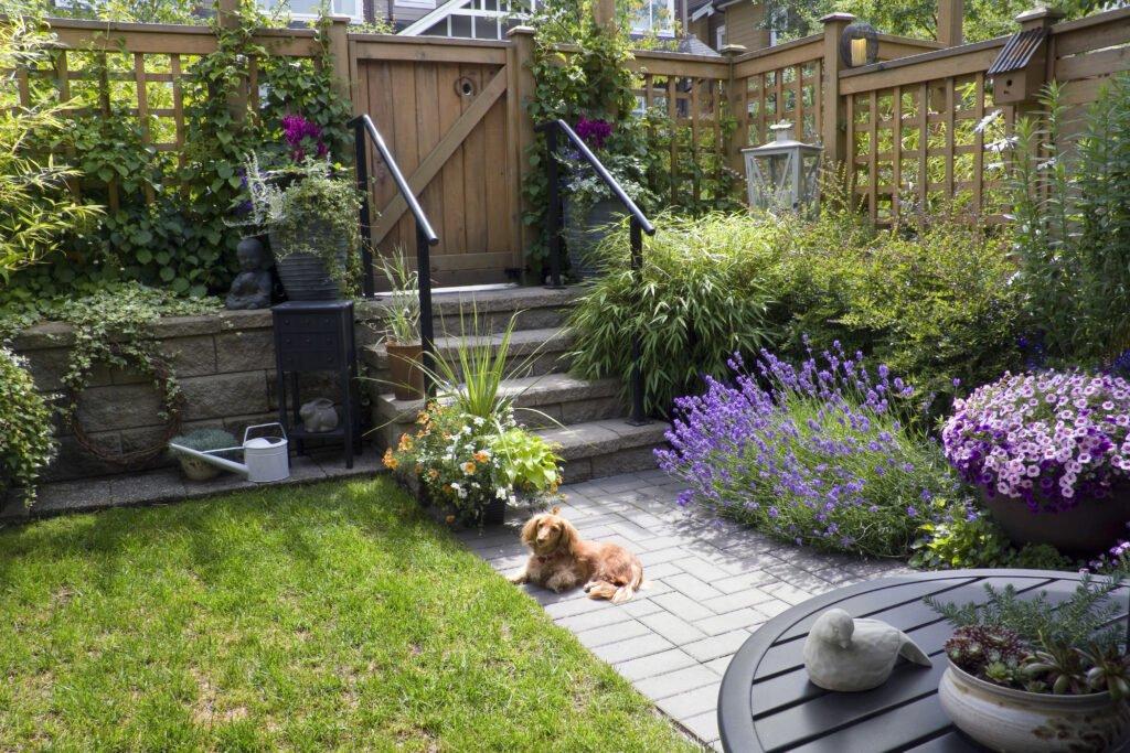 35. Lattice Garden Fence