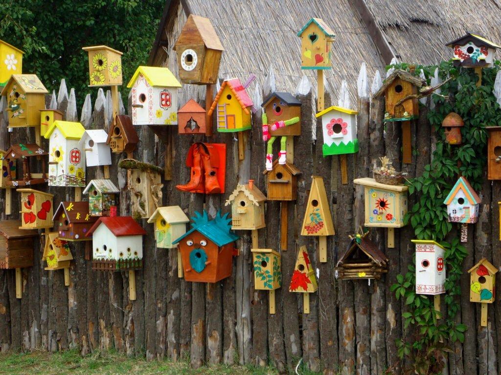 4. Garden Fence Decoration