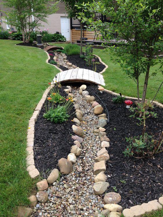 38. Easy Garden Landscaping
