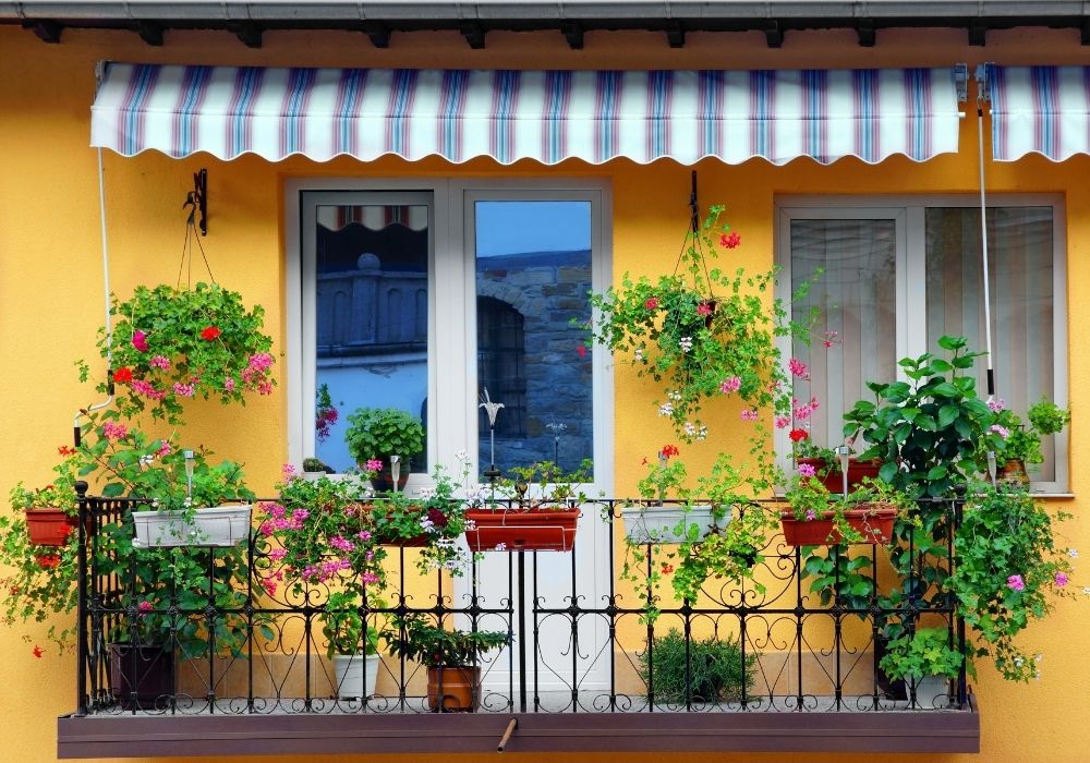 balcony-flower-garden