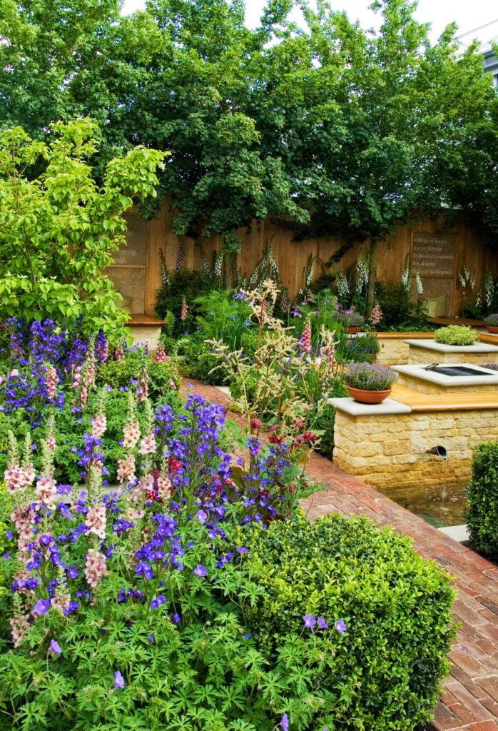 spring-garden-chelsea-flower-show