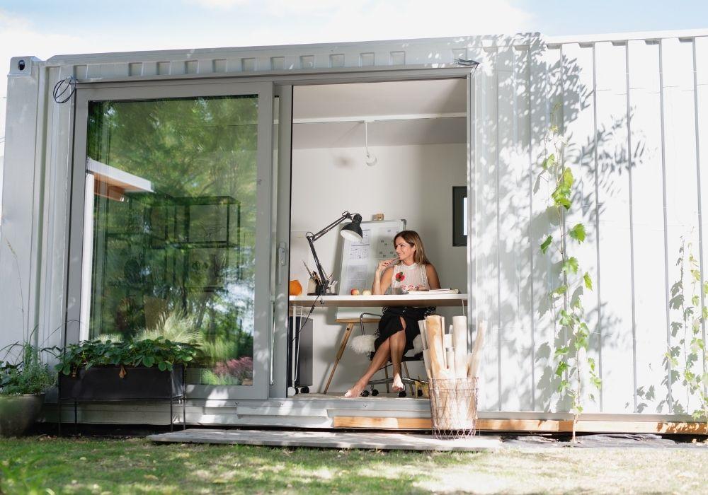 working-in-garden-office-room