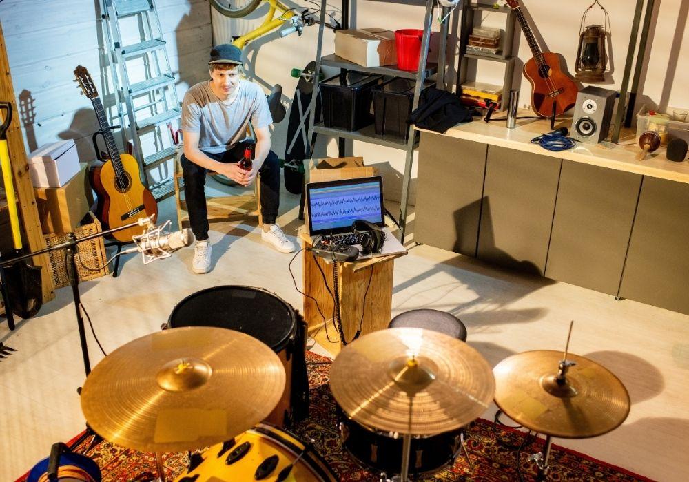 garage-man-cave-music