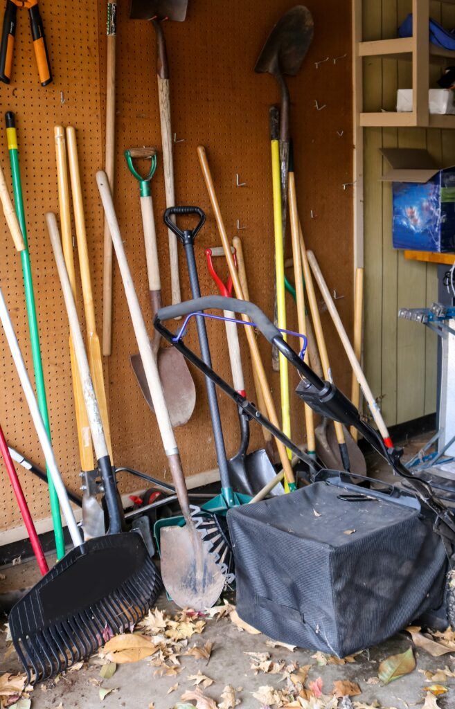 garden-tool-storage-pegboard
