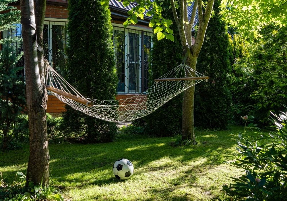 hammock-in-garden-between-trees