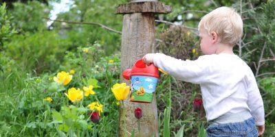 kids-gardening